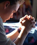 teen praying